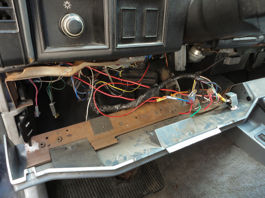 One Well Worn Jeep Cherokee Forum Under Dash Wiring Harness And Whats Left Of The Radio